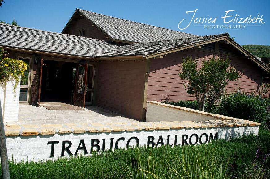 Arroyo_Trabuco_Ballroom_Exterior_Jessica_Elizabeth_Photography.jpg
