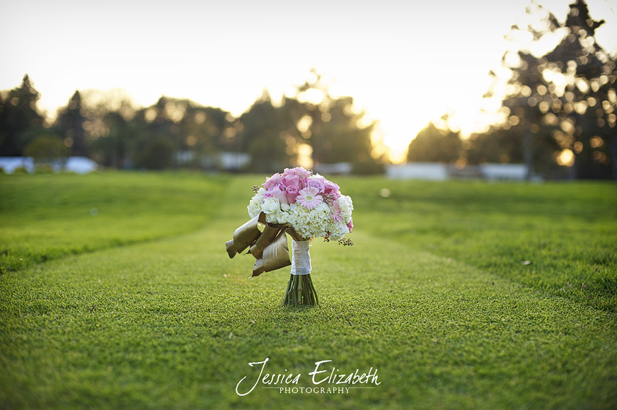 Jessica_Elizabeth_Photography_Pixie's_Petals_ Pink_White_Standing_Bouquet.jpg