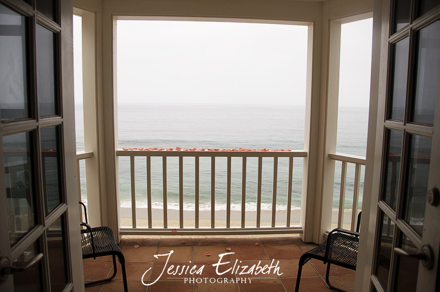 Pacific_Edge_Laguna_Beach_Wedding_Photography_Rose_Petal_Balcony.jpg