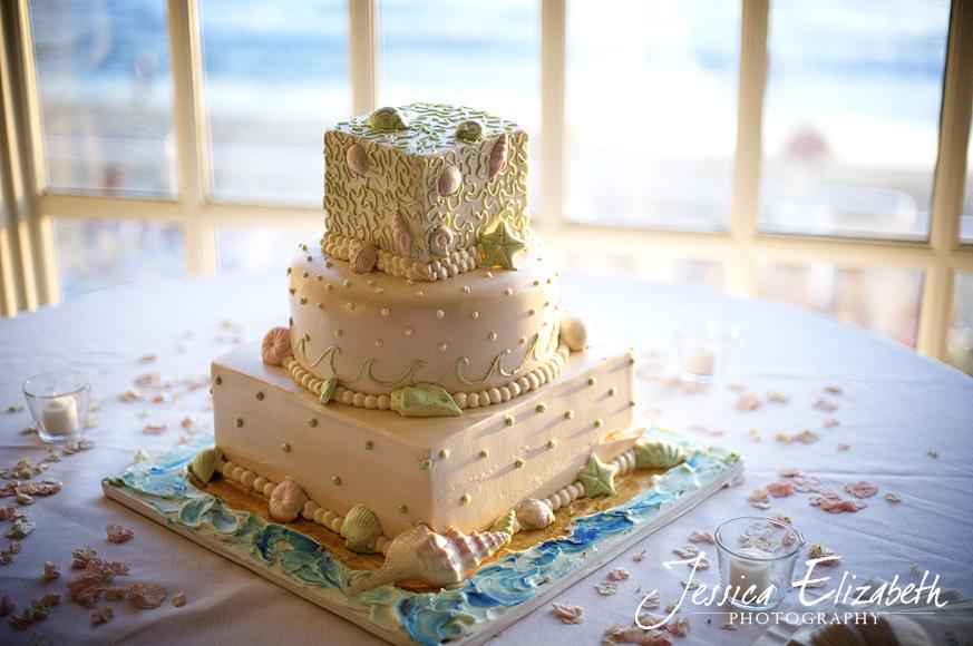Pacific_Edge_Villa_Wedding_Photography_Cake.jpg