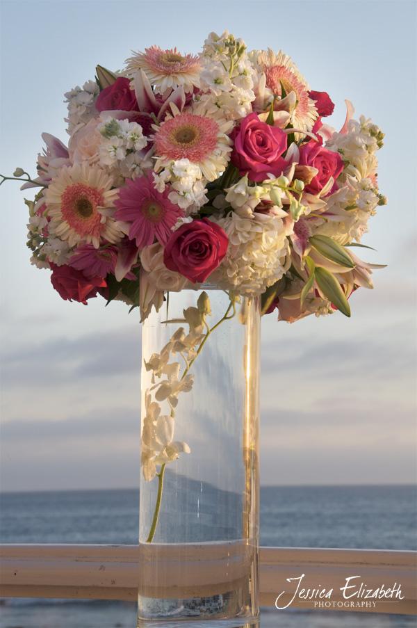 Pacific_Edge_Wedding_Photography_Bella_Blooms_Ceremony_Arrangement.jpg