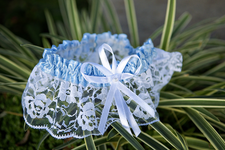 Temecula_Wedding_Photography_Garter.jpg