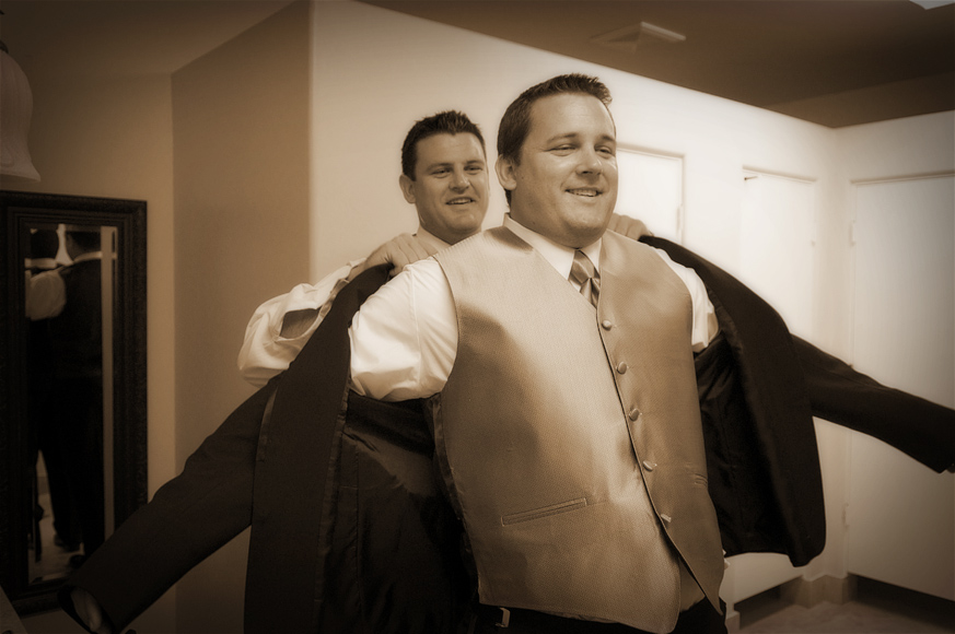 Temecula_Wedding_Photography_Groom_GettingReady.jpg